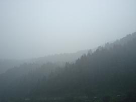 09山形02最上川雨.jpg